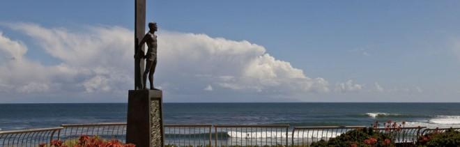 surf statue